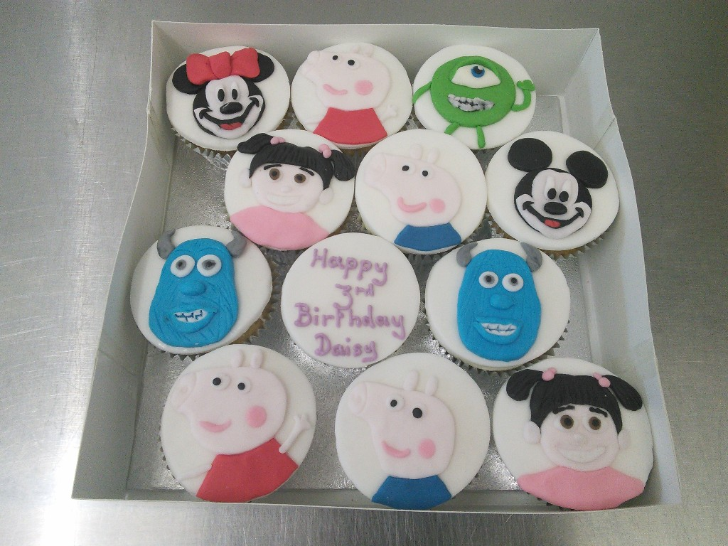 Mixed Childrens Characters Cup Cakes