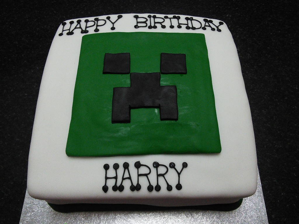 Minecraft Tree Creeper Face Birthday Cake