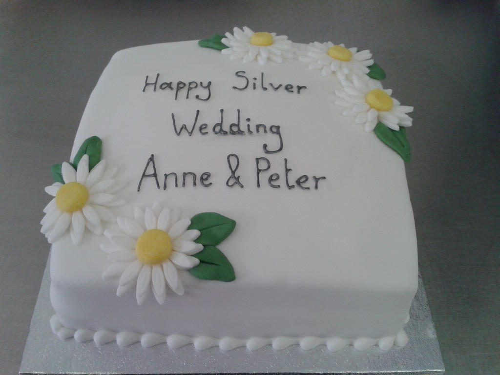 Simple Silver Wedding Anniversary Cake With Large Daisies Crumbs