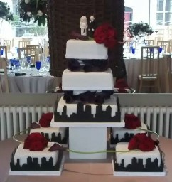 white and Black Skyline Wedding Cake