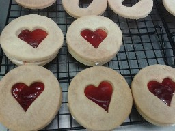 Giant Loveheart Jammie Dodgers