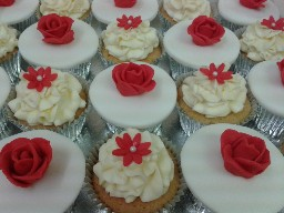 Red and White Flower Cup Cakes