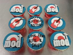 The Mod Birthday Cup Cakes