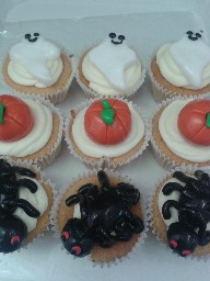 Ghost, Pumpkin and Spider Halloween Cup Cakes