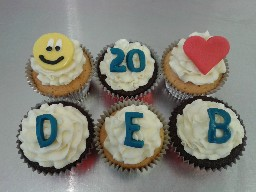 Personalised Buttercream Birthday Cup Cakes